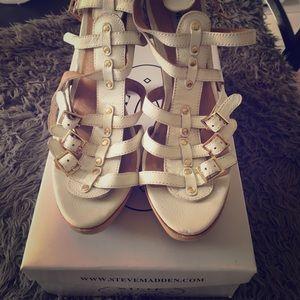 Steve Madden 8.5 white gladiator Togga heels
